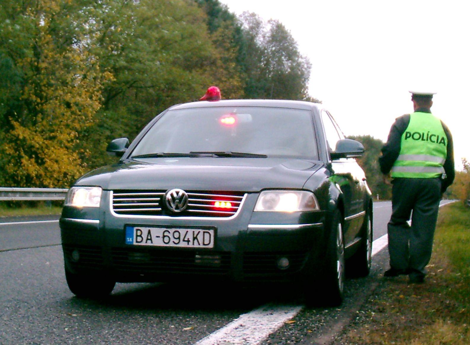 http://www.forumpassat.fr/uploads/1052_unmarked_policecar_slovakia_passat_b5_2.jpg