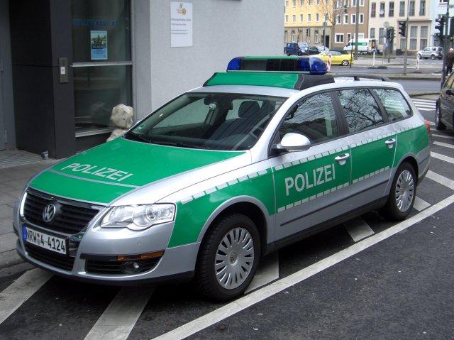http://www.forumpassat.fr/uploads/1077_vw_passat_variant_b6_type_3c_since_2005_polizei_nrw_germany_frontleft_2008-03-27_a.jpg