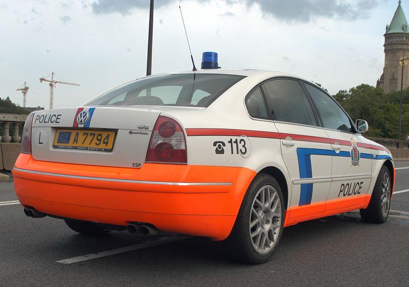 http://www.forumpassat.fr/uploads/711_800px-police_luxembourg_passat_b5_w8.jpg